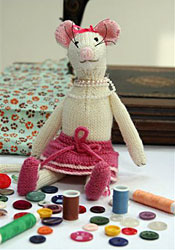 Knitted-Lucy_Mouse